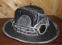 Шляпа с очками демисезонная кожанная