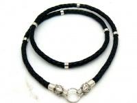 Чокер, шнур плетеный кожаный 5 мм с головами волков серебро