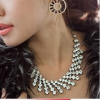 Кулоны, ожерелья женские