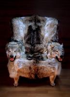 Кресло из шкуры волка с подлокотниками - голова волка (Якутские)