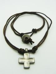Ожерелье с квадратным крестом