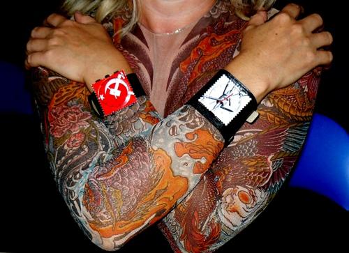 Майки Якудза и часы STAMPS